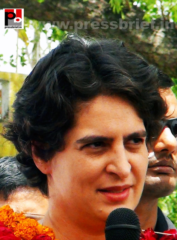 Priyanka Gandhi in Raebareli, UP (21)