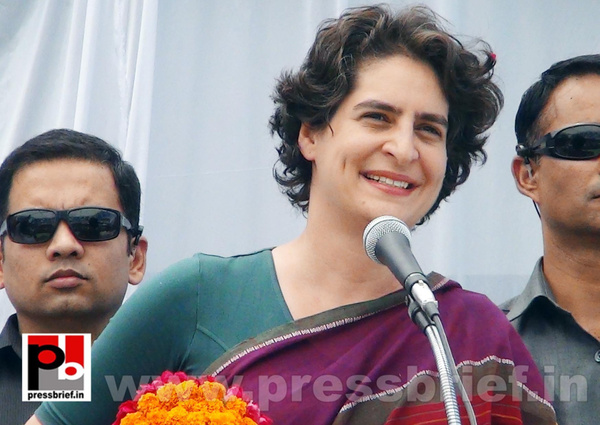 Priyanka Gandhi campaigns in Raebareli (6) by Pressbrief...