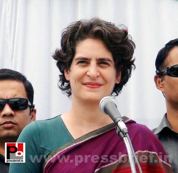 Priyanka Gandhi campaigns in Raebareli (5) by Pressbrief...