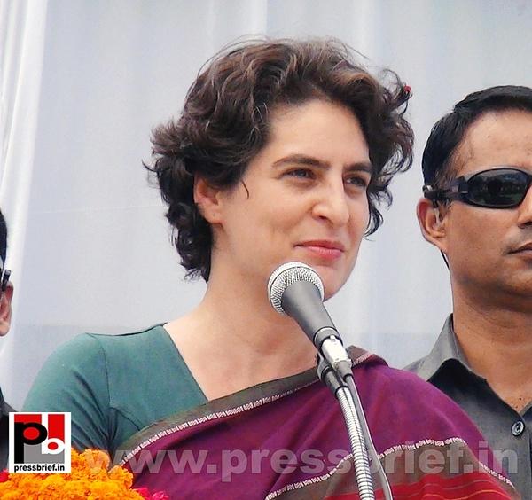 Priyanka Gandhi campaigns in Raebareli (7) by Pressbrief...