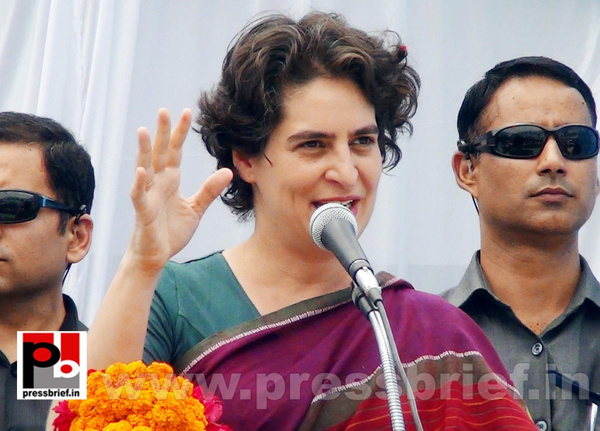 Priyanka Gandhi campaigns in Raebareli (8) by Pressbrief...