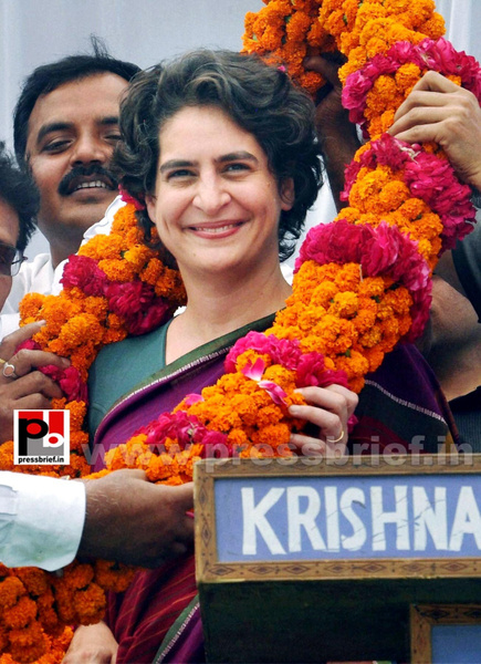 Priyanka Gandhi campaigns in Raebareli by Pressbrief In...