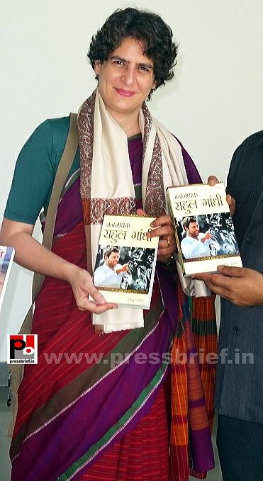 Priyanka Gandhi campaigns in Raebareli (2)