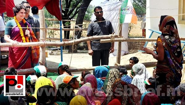 Priyanka Gandhi campaigns in Raebareli (3) by Pressbrief...