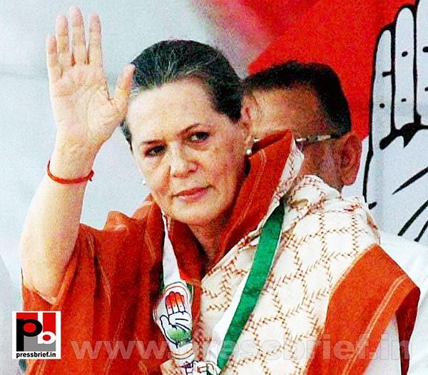 Sonia Gandhi campaigns in Gujarat (2) by Pressbrief In