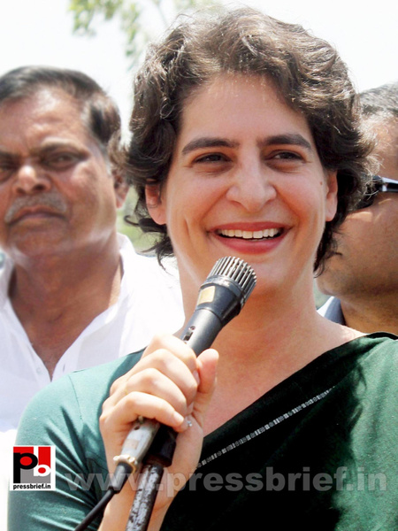 Priyanka Gandhi charms Raebareli by Pressbrief In by...