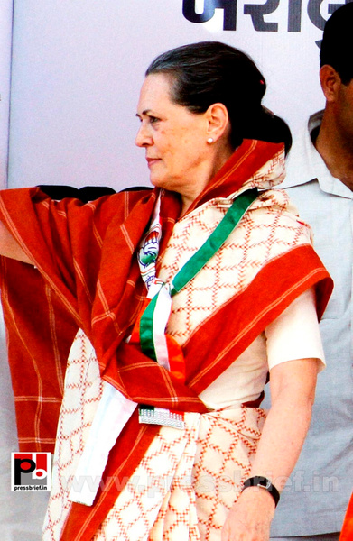 Sonia Gandhi campaigns in Gujarat (5) by Pressbrief In