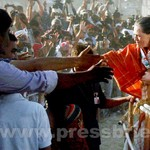 Sonia Gandhi campaigns in Gujarat