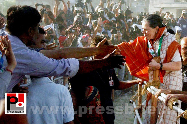 Sonia Gandhi campaigns in Gujarat by Pressbrief In