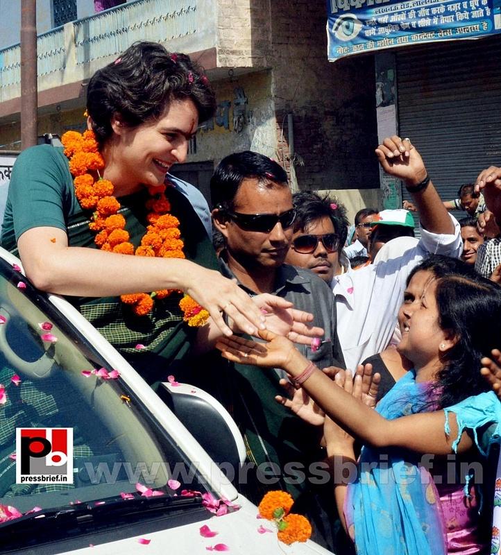 Priyanka Gandhi charms Raebareli (14)