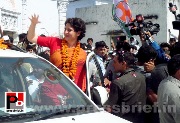 Priyanka Gandhi campaigns in Amethi (11) by Pressbrief In