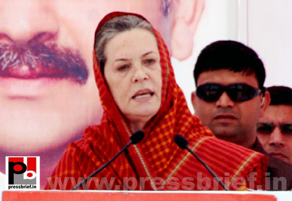 Sonia Gandhi in Barnala, Punjab (6) by Pressbrief In