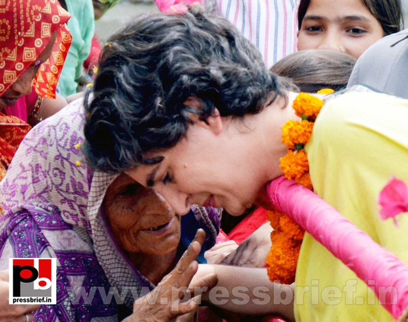 Priyanka Gandhi strikes chord with Raebareli (2)