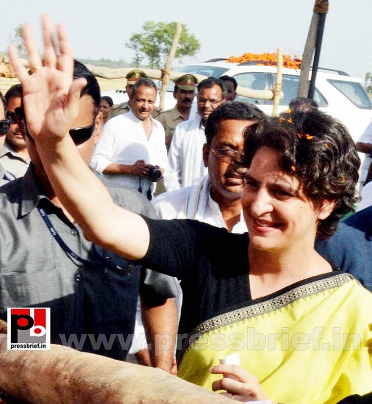 Priyanka Gandhi strikes chord with Raebareli (3)