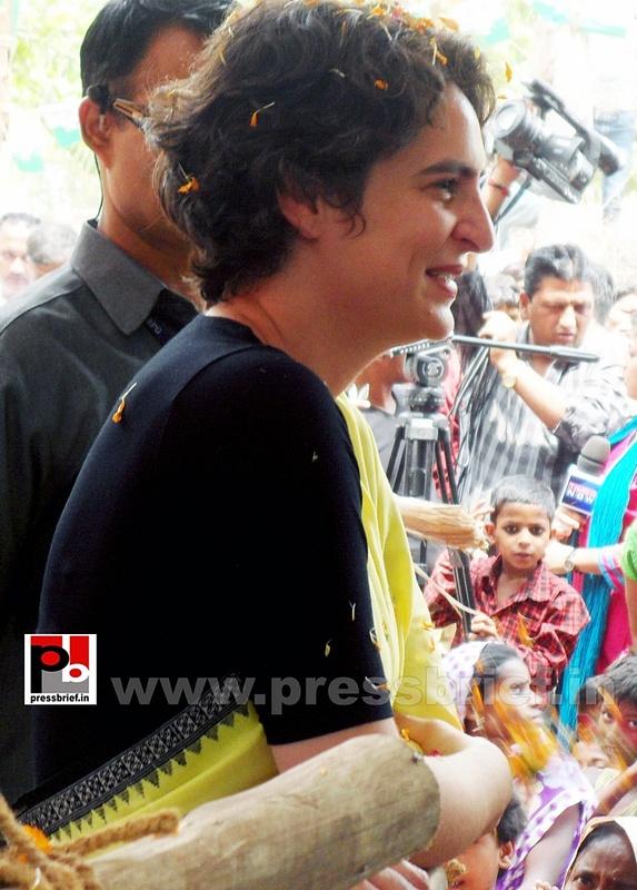Priyanka Gandhi strikes chord with Raebareli (5)