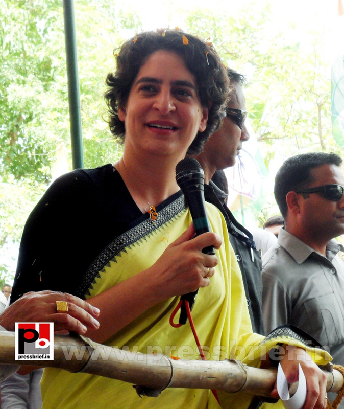 Priyanka Gandhi strikes chord with Raebareli (6)