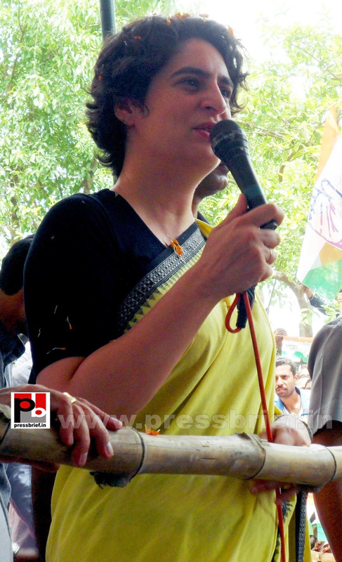 Priyanka Gandhi strikes chord with Raebareli (8)