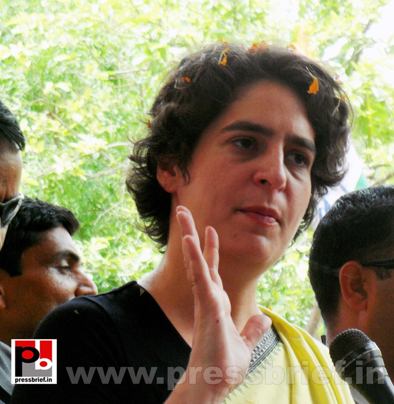 Priyanka Gandhi strikes chord with Raebareli (10)