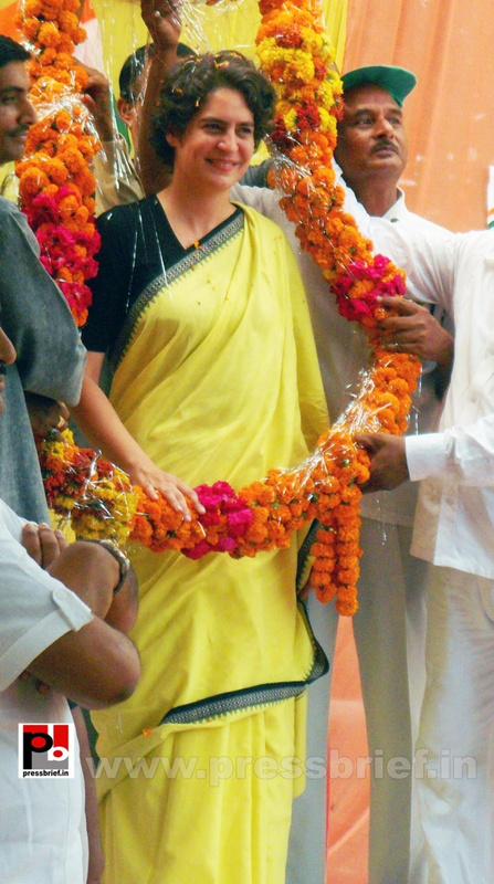 Priyanka Gandhi strikes chord with Raebareli (12)