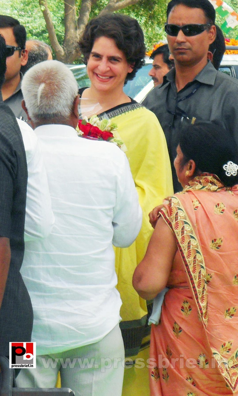 Priyanka Gandhi strikes chord with Raebareli (13)