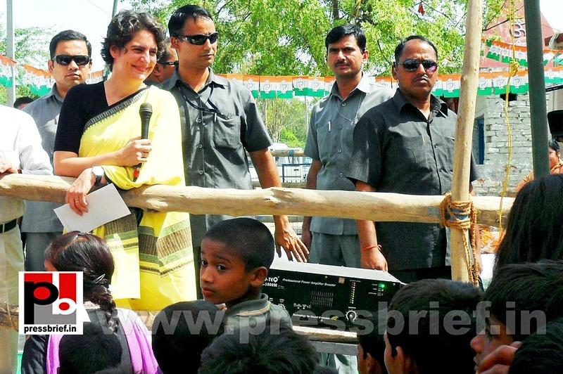 Priyanka Gandhi strikes chord with Raebareli (17)