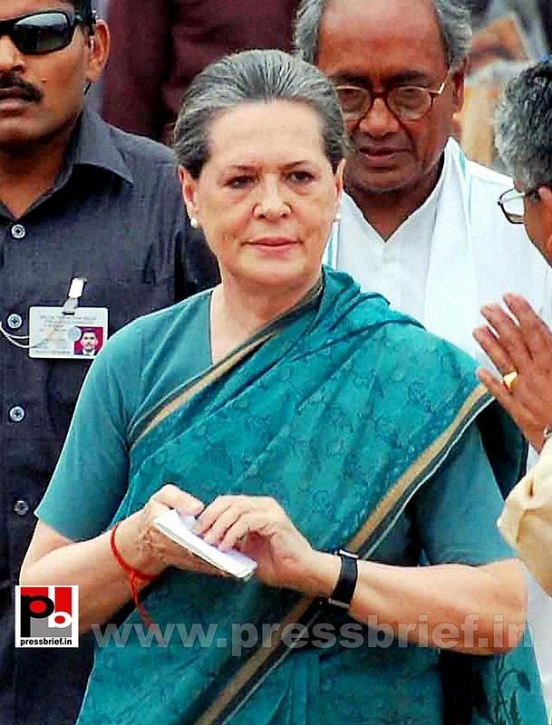 Sonia Gandhi at Hyderabad (1)