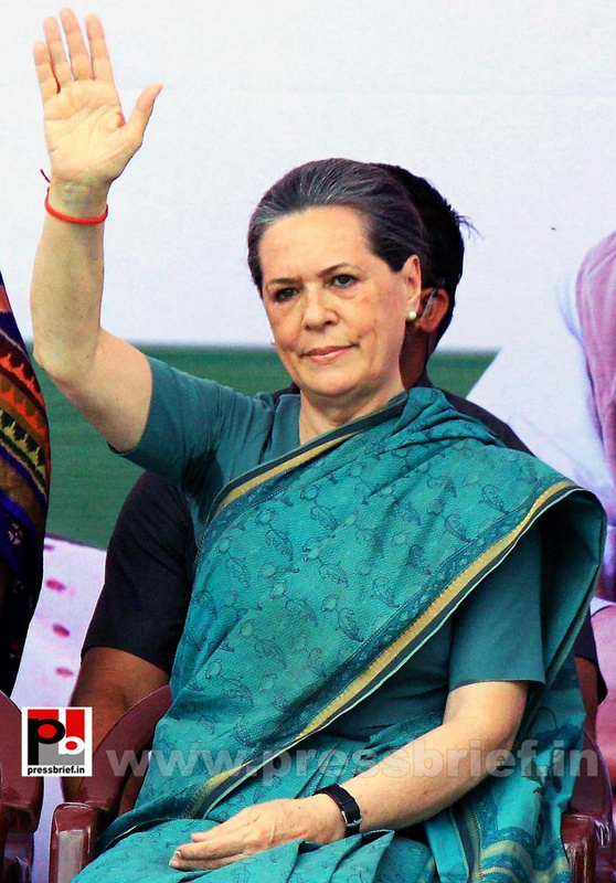 Sonia Gandhi at Hyderabad (4)