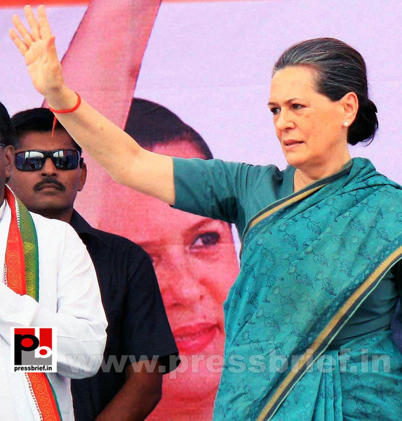 Sonia Gandhi at Hyderabad (5) by Pressbrief In