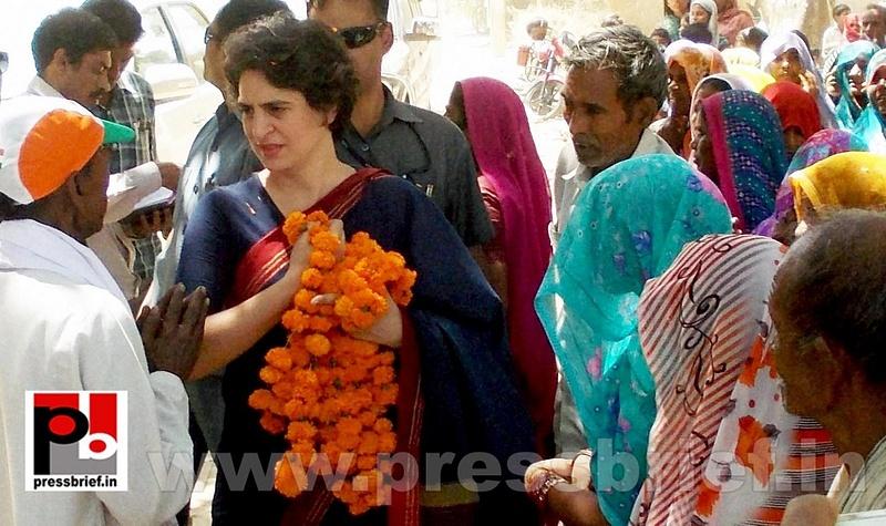 Priyanka Gandhi charms Amethi (4)