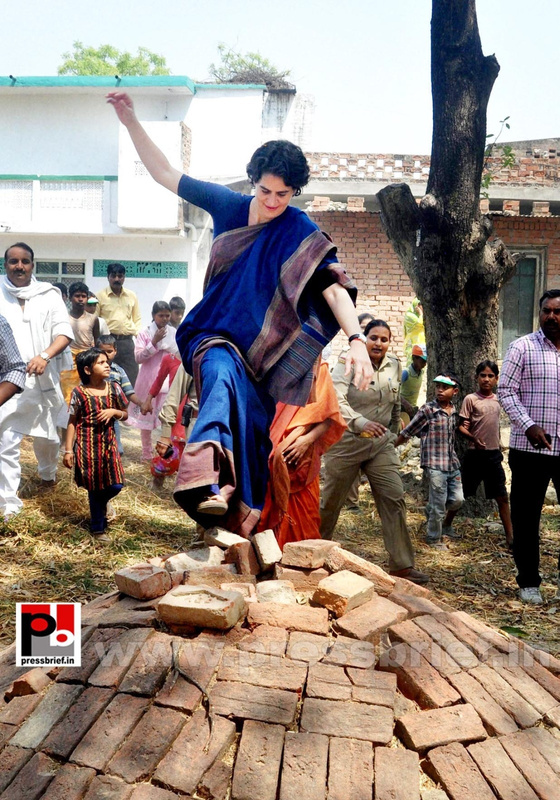 Real mass leader - Priyanka Gandhi (3)