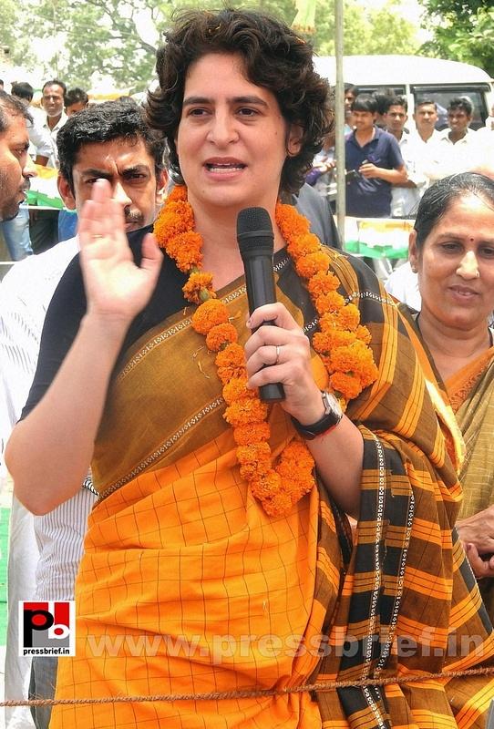 Priyanka Gandhi strikes chord with Amethi (1)