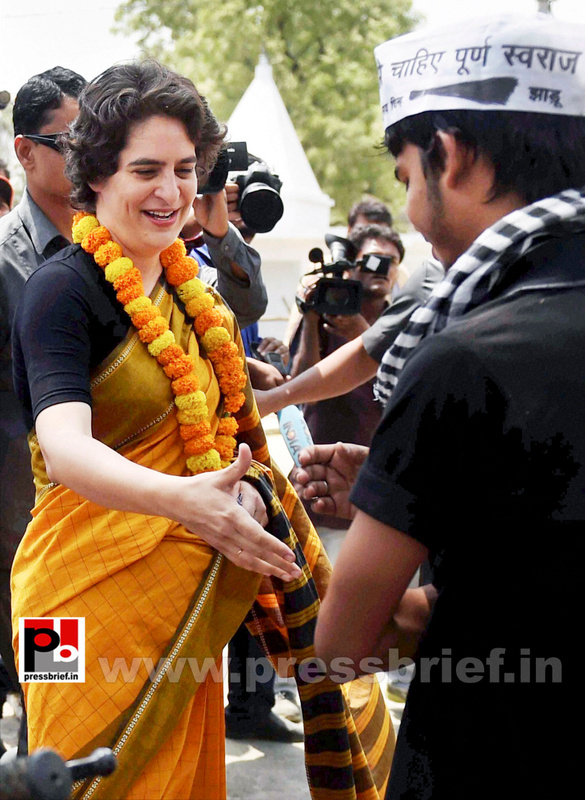 Priyanka Gandhi strikes chord with Amethi (4)