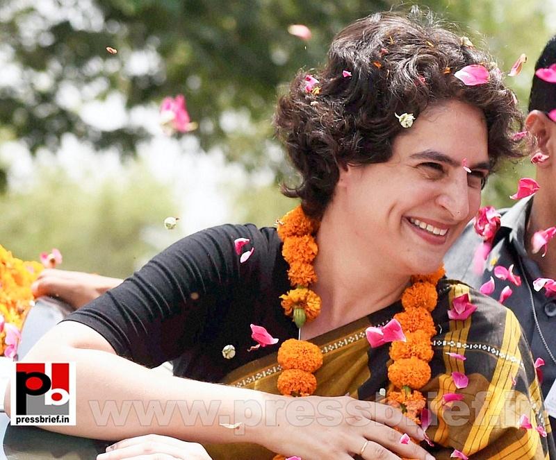 Priyanka Gandhi strikes chord with Amethi (6)