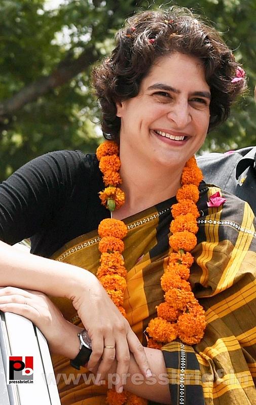 Priyanka Gandhi strikes chord with Amethi (7)
