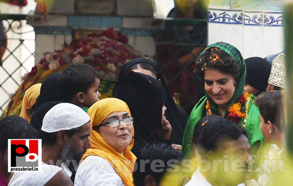 Priyanka, Rahul Gandhi during road show in Amethi (3) by...