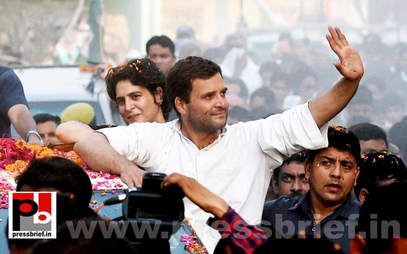 Priyanka, Rahul Gandhi during road show in Amethi (5)