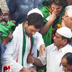 Priyanka, Rahul during road show in Amethi