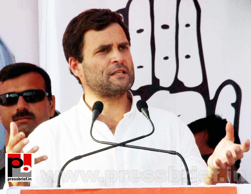 Rahul Gandhi addresses rally in Allahabad (2)