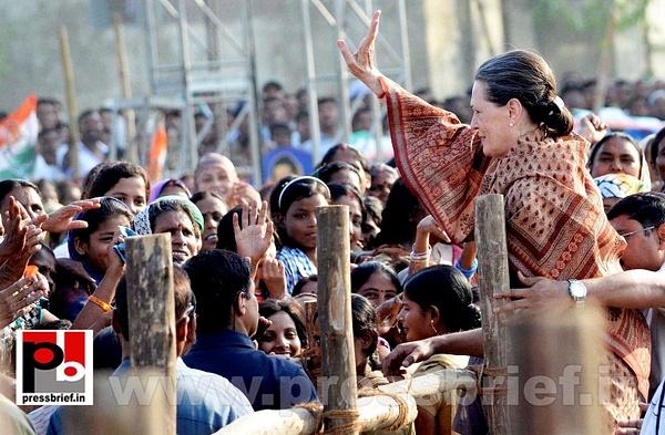 Sonia Gandhi in Muzaffarpur, Bihar (4) by Pressbrief In
