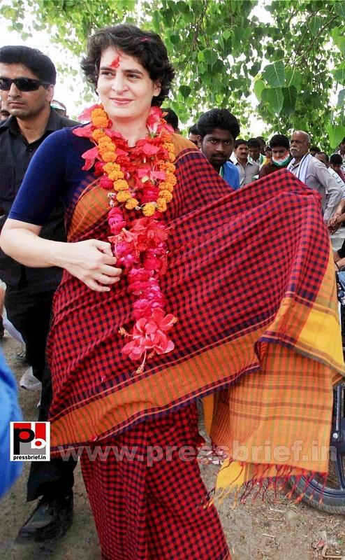 Charismatic Priyanka Gandhi in Amethi (3)