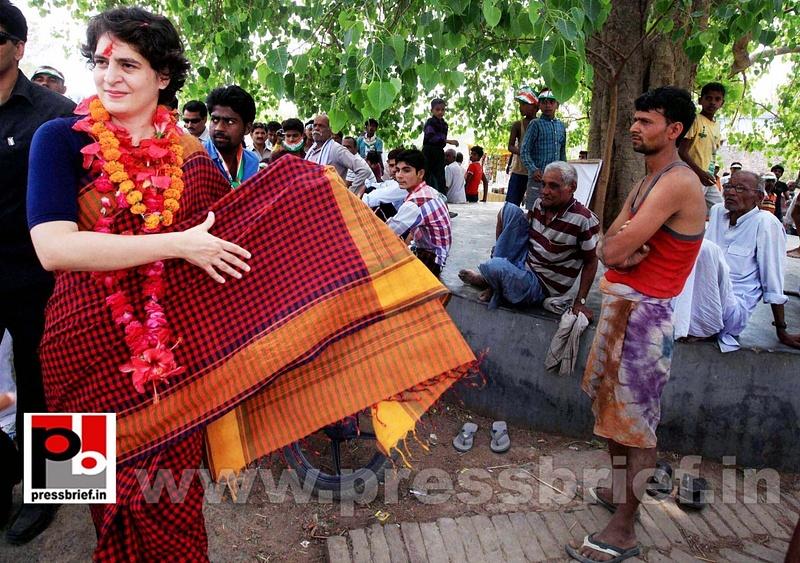 Charismatic Priyanka Gandhi in Amethi (5)
