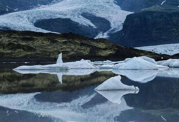 Glacial lagoon - Iceland - Tony Sweet