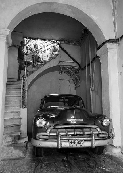 apt. garage - Cuba - Tony Sweet