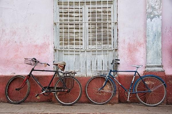 bikes - Cuba - Tony Sweet