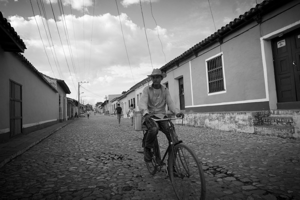 biker - Cuba - Tony Sweet