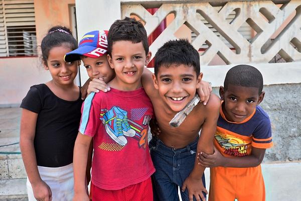 friends - Cuba - Tony Sweet