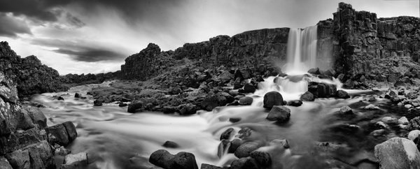 Crack in the earth, Iceland - Stitched pans - Tony Sweet