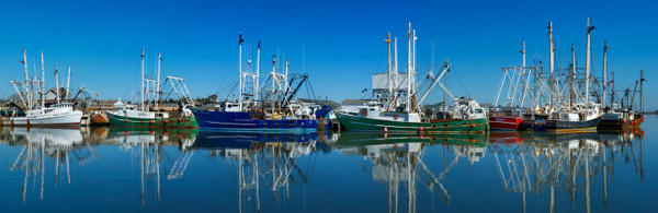 Working Boats, Cape May, NJ - Stitched pans - Tony Sweet
