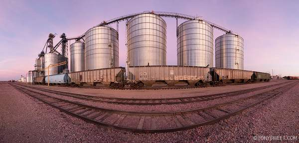 Wall grain elevators