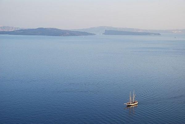 LoneSailboat, Santorini, Greece by changsoo